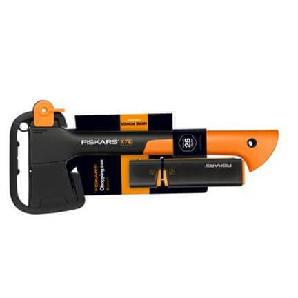 Топор Fiskars Chopping Axe XS X7 и Точилка Fiskars Xsharp™